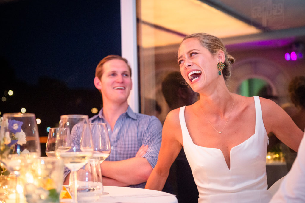 sposa che ride ristorante matrimonio Portofino ricevimento