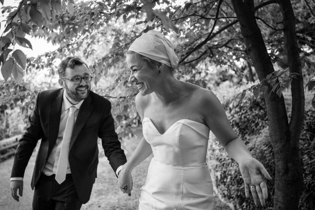 mano per mano sposi parco lago di como matrimonio