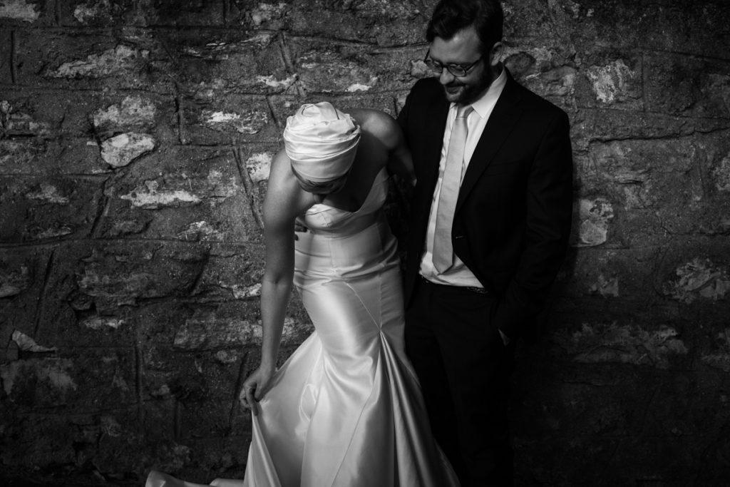 bianco e nero vestito sposa inusuale lago di como matrimonio