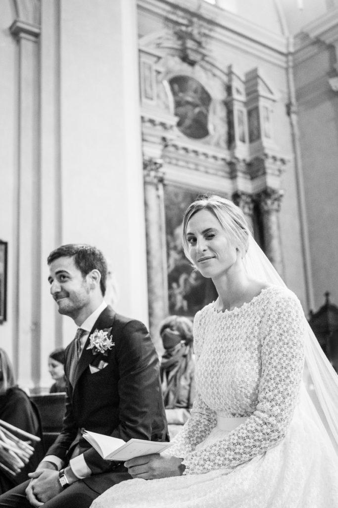 cerimonia Trento Italia fotografo matrimonio reportage lusso eleganza chiesa tradizionale sposa vestito Giuliani sposa sposo emozioni fotografia autoriale