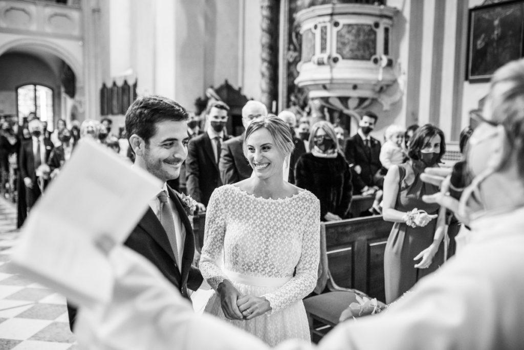 cerimonia Trento Italia fotografo matrimonio reportage lusso eleganza chiesa tradizionale sposa vestito Giuliani sposa sposo emozioni anelli fedi