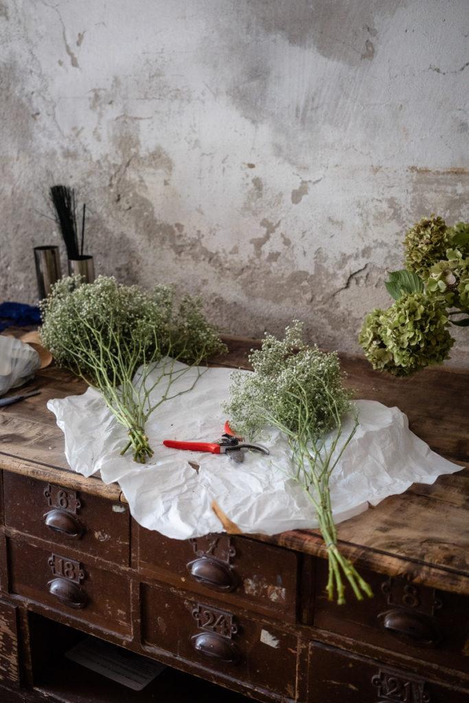 wedding Trento Italy Beauty Photographer reportage style flowers location luxury elegance details Alois Lageder event location
