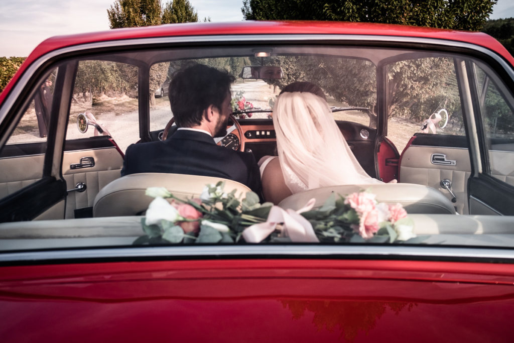 bride dress wedding top photographer Italy Piedmont emotional pictures moments special day flowers car vintage weddings