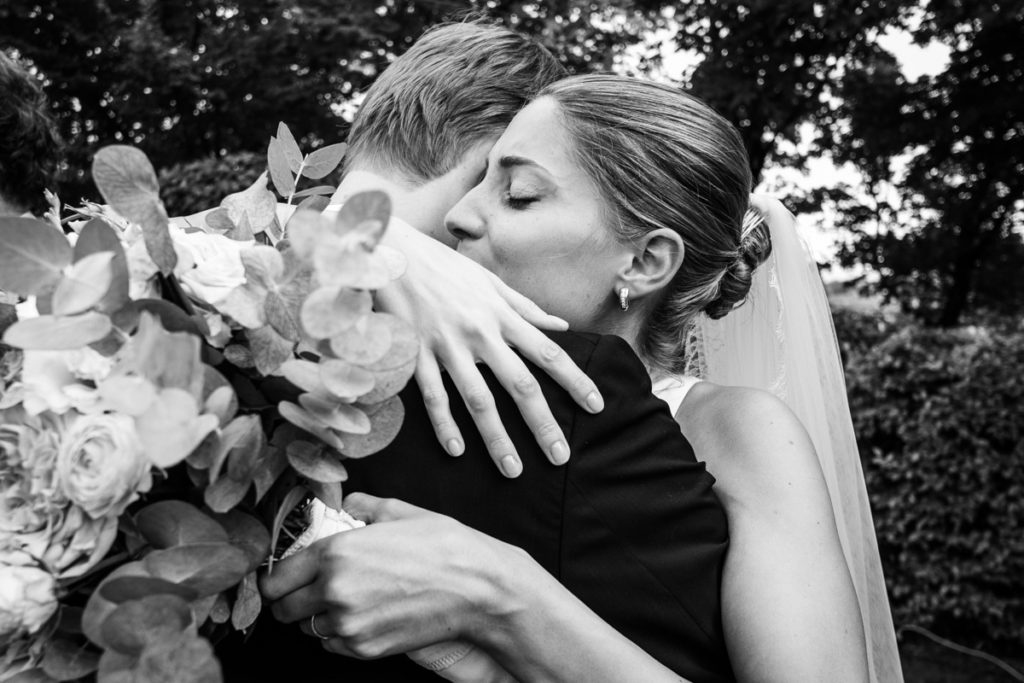 bride wedding top photographer Italy Piedmont emotional pictures moments special day flowers hugs weddings authorial pictures