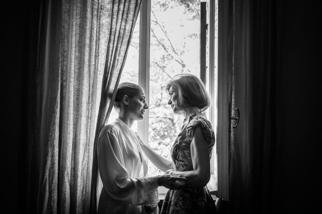 emotional luxury top destination wedding photographer Villa Meirana Italy mother special day bw bride getting ready