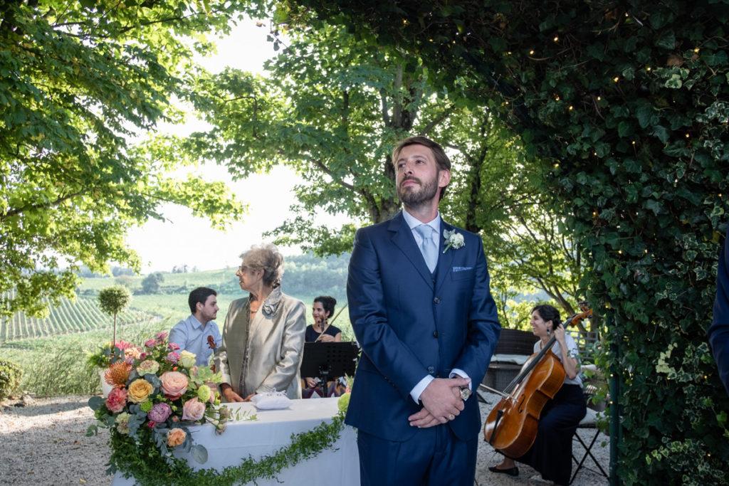 ricordi reportage matrimonio miglior fotografo italia piemonte gavi sposo emozioni cerimonia vestito lusso eleganza campagna Meirana