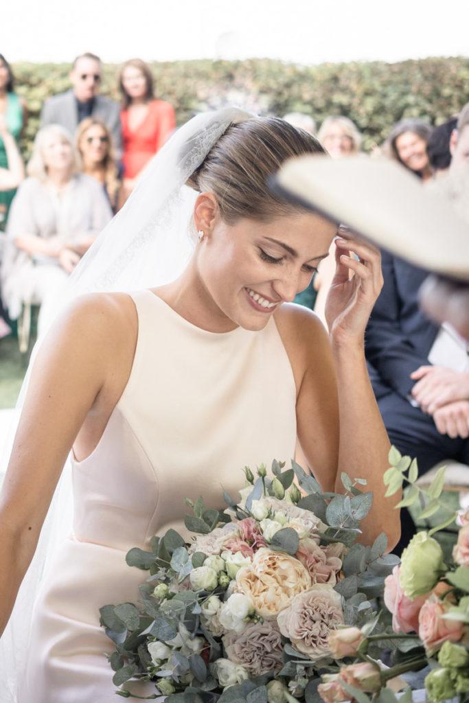 sposa bellissima bouquet fiori vestito Piccini migliore fotografo matrimonio Italia Piemonte Gavi Villa Meirana Broglia vini cerimonia reportage invivtati lusso eleganza campagna