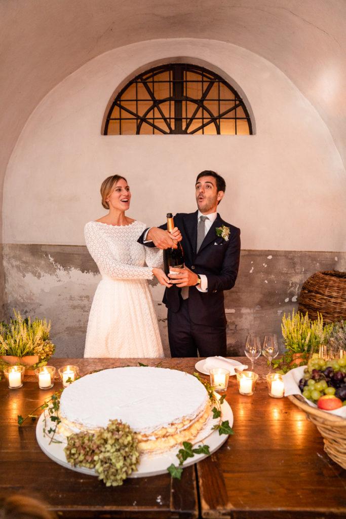 fotografo matrimonio reportage top servizio foltografico Trento Italia cena candele atmosfera villa dimora antica allestimento brindisi lusso eleganza torta nuziale prosecco champagne lusso