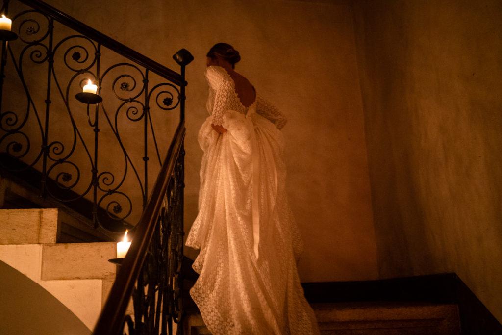 fotografo matrimonio reportage top servizio foltografico Trento Italia candele atmosfera villa dimora antica allestimento brindisi lusso eleganza vestito abito sposa