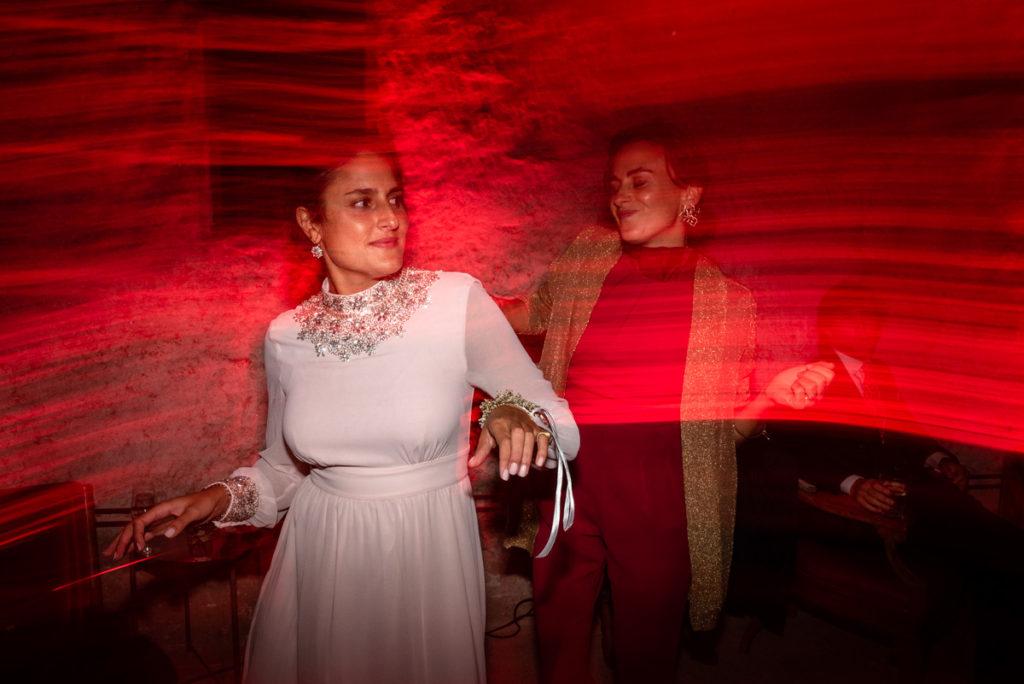 fotografo matrimonio reportage top servizio foltografico Trento Italia candele atmosfera villa dimora antica allestimento lusso eleganza danza musica festa amici sposi luci fotografia