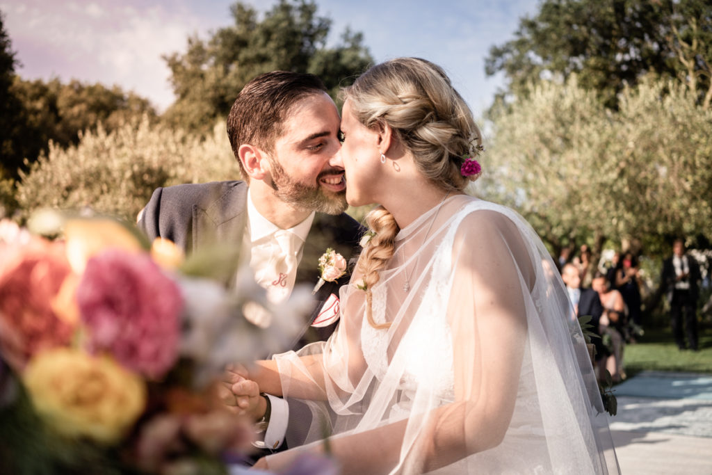 cerimony wedding photographer reportage cry bride groom La Ginestra Liguria Italy elegant summer events best location sunset kiss