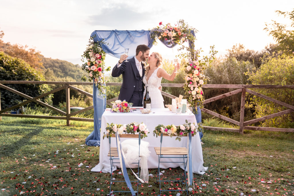 cerimony wedding photographer reportage cry bride groom La Ginestra Liguria Italy elegant summer events best location sunset cheers prosecco champagne Lovisolo recipe Sara Cattaneo Lab flowers Atelier Eme Genova happiness