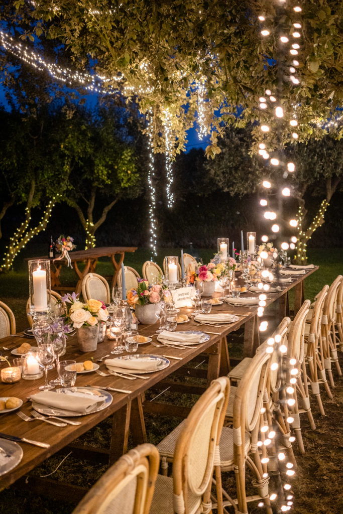 aperitive wedding photographer reportage La Ginestra Liguria Italy elegant summer events best location sunset Lovisolo recipe best location events details photography inspiration shooting retro vintage style dinner table imperial lights light Sara Cattaneo Lab