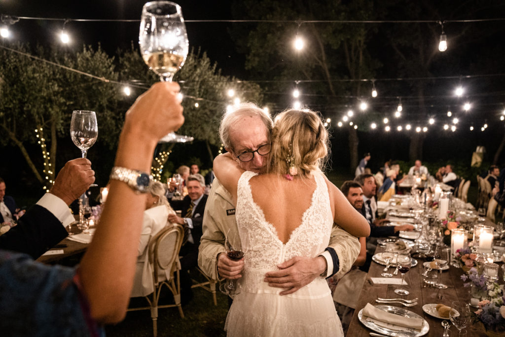 aperitive wedding photographer reportage La Ginestra Liguria Italy elegant summer events best location sunset Lovisolo recipe best location events details photography inspiration shooting retro vintage style records photography dad emotions cheers bride Atelier Eme Genova