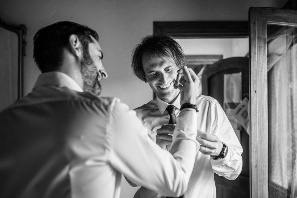 Fotografo matrimonio la Ginestra, abito sposa location ulivi truccatrice lusso Valentina Guria atelier eme genova sposa fotografia sposo reportage